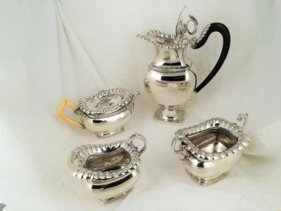 4-delig zilveren koffie- theeservies. - .934 zilver - Bennewitz & Zonen Amsterdam -  1832-1833