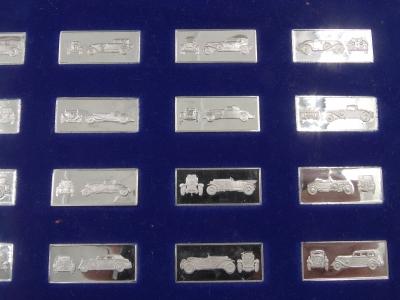 Verzameling 63 miniatuur zilver baartjes van klassieke auto's, Franklin Mint