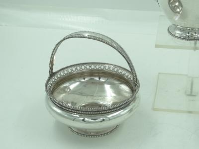 3- delig zilveren theeservies, 1905
