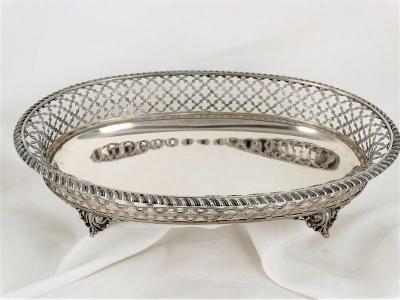 Ovale zilveren mand op 4 pootjes, Italie , Milaan 20e eeuw
