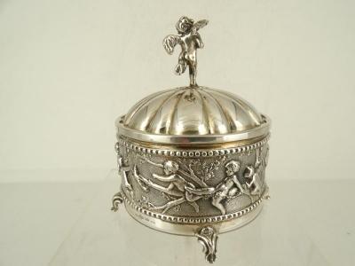 Zilveren speeldoos, zeer fraai, D.J. Aubbert, Schoonhoven