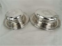 2 zilveren koektrommels op schotel, van Kempen&Zonen 1899