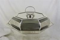 Zilveren Terrine, Italie - Alessandria 800/1000 zilver, achtkantig 23,5 cm