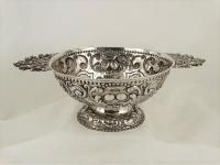 Zilveren Brandewijnkom, Staveren 1754  vrij zeldzaam zilver uit Staveren